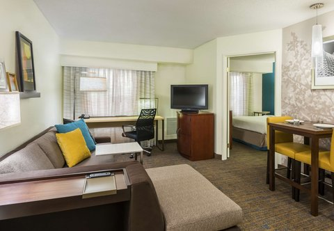 Residence Inn by Marriott Macon - One-Bedroom Suite Living Area