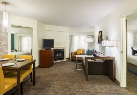 Residence Inn by Marriott Macon - Two-Bedroom Suite Living Area