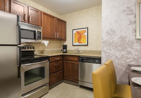 Residence Inn by Marriott Macon - Two-Bedroom Suite Kitchen