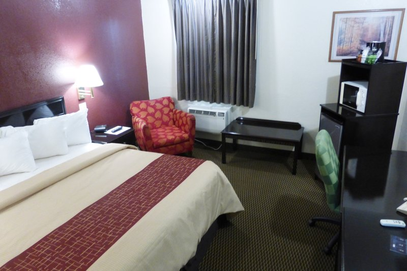 RED ROOF INN AND SUITES PIQUA