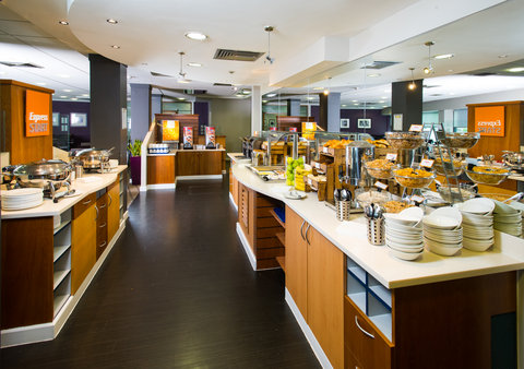 Holiday Inn Express GLASGOW - CITY CTR RIVERSIDE - Help yourself to breakfast  You deserve it