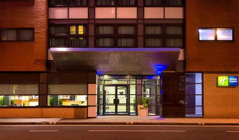 Holiday Inn Express GLASGOW - CITY CTR RIVERSIDE - Looking for a great value stay in the heart of Glasgow  Call us