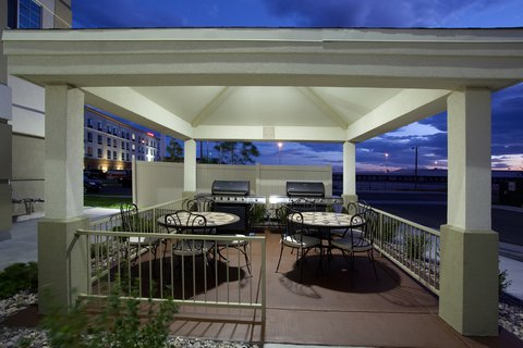Candlewood Suites CHEYENNE - Enjoy our BBQ Grill s in the Gazebo