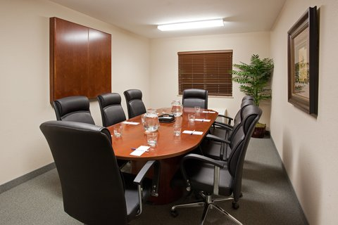 Candlewood Suites CHEYENNE - Our board room can accommodate small meetings of up to 8 people
