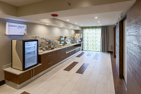 Holiday Inn Express & Suites SAN ANTONIO EAST - I10 - Express Start Breakfast