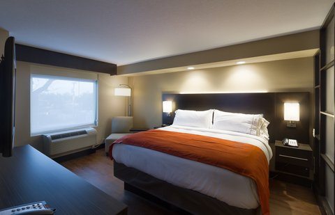 Holiday Inn Express & Suites SAN ANTONIO EAST - I10 - standard Guest Room