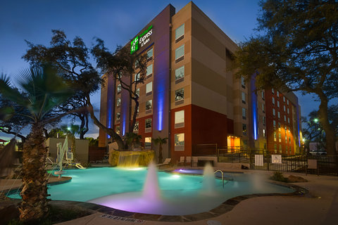 Holiday Inn Express & Suites SAN ANTONIO EAST - I10 - Exterior Feature