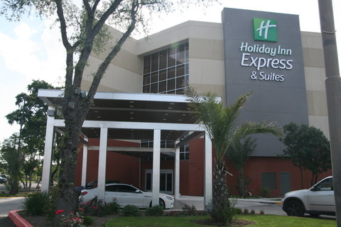 Holiday Inn Express & Suites SAN ANTONIO EAST - I10 - Hotel Exterior