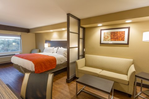 Holiday Inn Express & Suites SAN ANTONIO EAST - I10 - King Bed