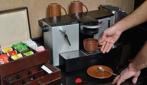 منتجع وسبا قصر العرين - Coffee machine