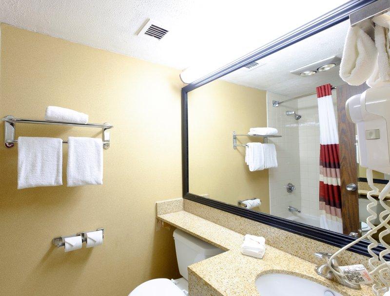 Comfort inn greater cincinnati airport closed in for P bathroom suites cheap
