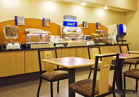 Holiday Inn Express & Suites BORGER - Complimentary Breakfast Bar