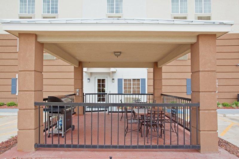 Quality inn suites in la porte tx 77571 citysearch for Comfort suites la porte tx