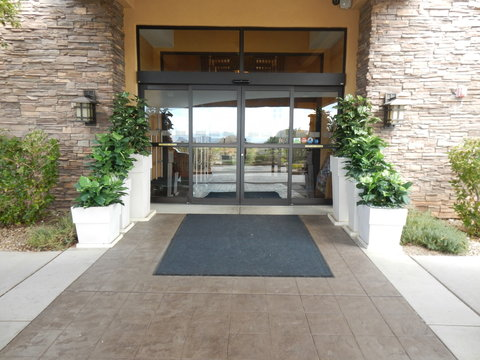 Holiday Inn Express & Suites ST. GEORGE NORTH - ZION - Main Entrance