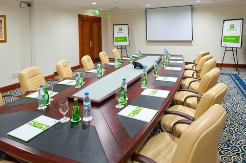 Holiday Inn BUR DUBAI - EMBASSY DISTRICT - Our well-appointed meeting rooms for your successful meetings