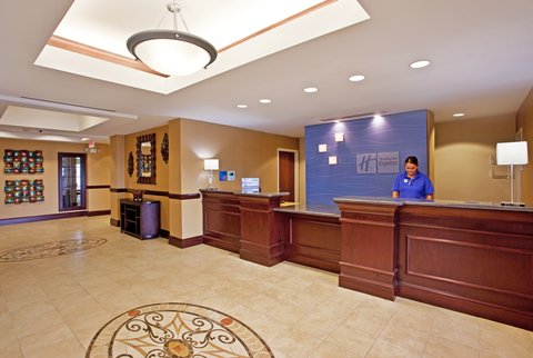 Holiday Inn Express & Suites DAYTON SOUTH FRANKLIN - Meet guests at Holiday Inn Express Franklin Ohio s spacious lobby