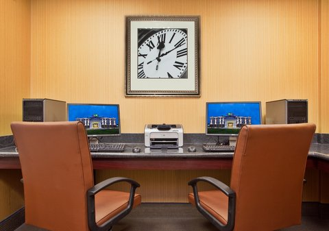 Holiday Inn Express & Suites DAYTON SOUTH FRANKLIN - Print documents or check email in our Business Center