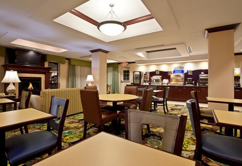 Holiday Inn Express & Suites DAYTON SOUTH FRANKLIN - Enjoy breakfast in our Breakfast Area at Franklin Ohio