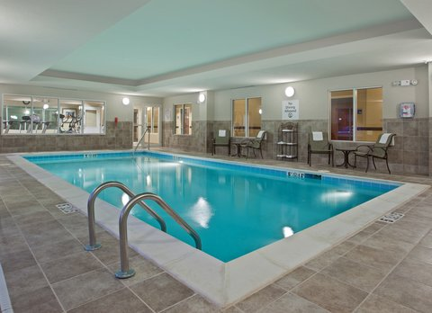 Holiday Inn Express & Suites DAYTON SOUTH FRANKLIN - Indoor heated swimming pool at Holiday Inn Express Franklin Ohio