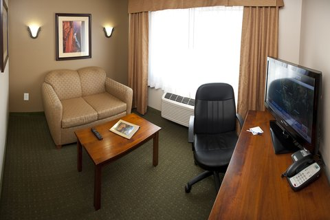 Holiday Inn Express & Suites GRAND CANYON - Parlor in all adult guest suite