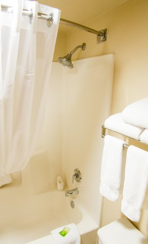 Holiday Inn Express & Suites GRAND CANYON - Fluffy towels and invigorating shower