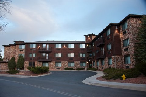 Holiday Inn Express & Suites GRAND CANYON - All Adult Suites Guest Room Building across from main hotel