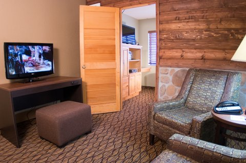 Holiday Inn Express & Suites GRAND CANYON - Kids Suite family sitting area