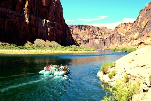 Holiday Inn Express & Suites GRAND CANYON - Float on one of the most dramatic rivers in the western US