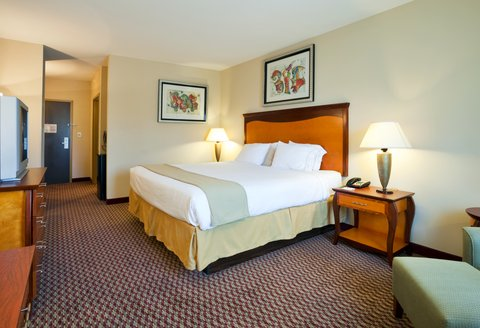 Holiday Inn Express & Suites BIRMINGHAM - INVERNESS 280 - King Guest Room with micro frig