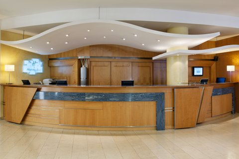 Holiday Inn BRNO - Front Desk