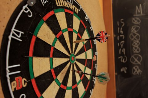 Holiday Inn BRNO - Lobby Bar - Darts