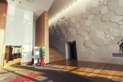 فندق كراون بلازا أبوظبي, جزيرة ياس  - Foyer Area