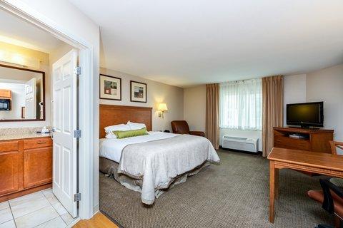 Candlewood Suites WATERLOO- CEDAR FALLS - Guest Room