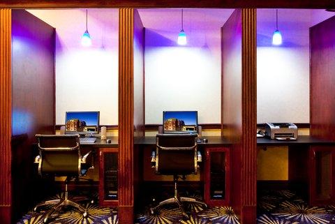Holiday Inn Express Hotel & Suites Brooksville-I-75 - Business Center