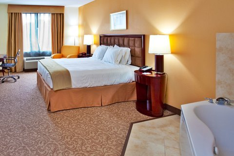 Holiday Inn Express Hotel & Suites Brooksville-I-75 - Jacuzzi Suite