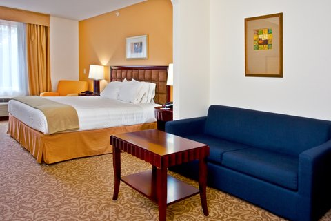 Holiday Inn Express Hotel & Suites Brooksville-I-75 - King Suite Guest Room