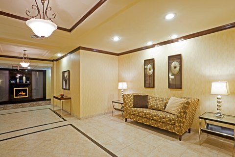Holiday Inn Express & Suites EASTLAND - Hotel Lobby