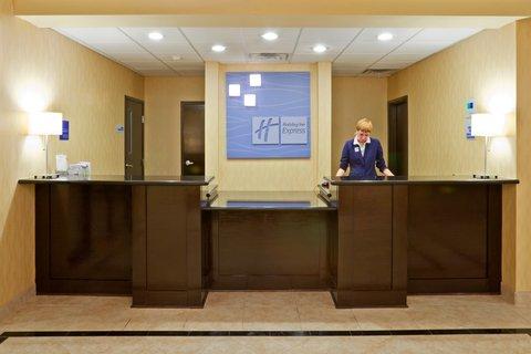Holiday Inn Express & Suites EASTLAND - Front Desk