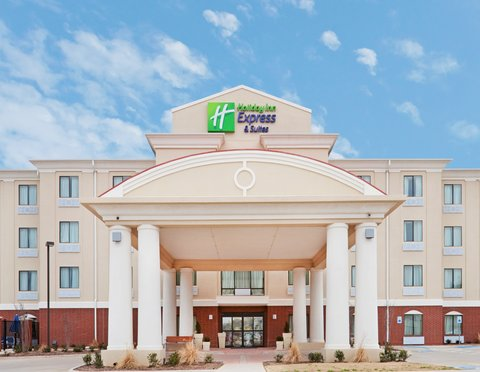Holiday Inn Express & Suites EASTLAND - Hotel Exterior