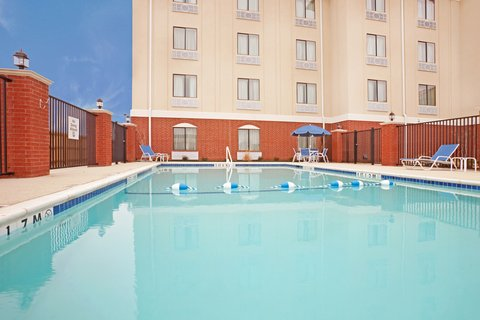 Holiday Inn Express & Suites EASTLAND - Swimming Pool