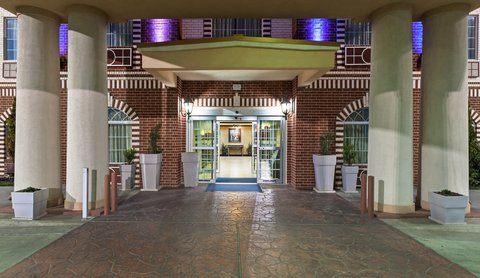 Holiday Inn Express & Suites AMARILLO EAST - Entrance