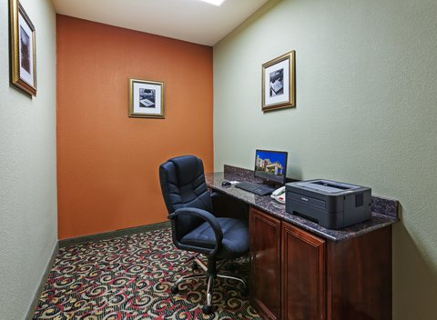 Holiday Inn Express & Suites AMARILLO EAST - Business Center