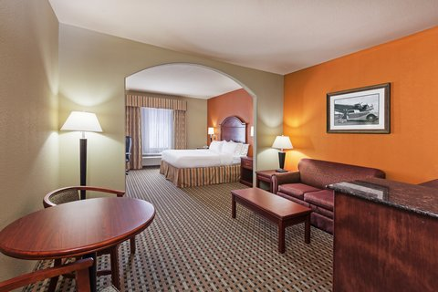 Holiday Inn Express & Suites AMARILLO EAST - ADA Handicapped accessible King Suite