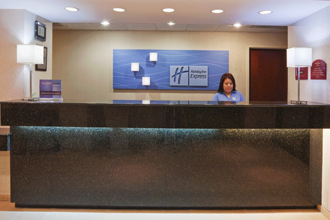 Holiday Inn Express & Suites MESQUITE - Front Desk