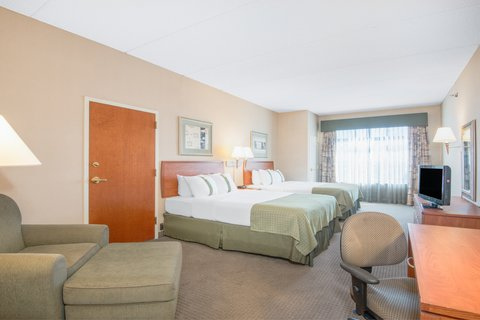 Holiday Inn Hotel & Suites GOODYEAR - WEST PHOENIX AREA - ADA Handicapped accessible Two Queen Bed Guest Room