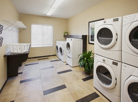 Candlewood Suites DALLAS-LAS COLINAS - Laundry Facility