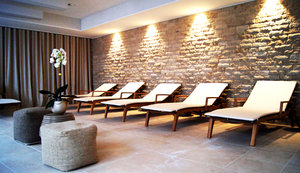 Relax at the spa area Crowne Plaza Holmes Place Club!