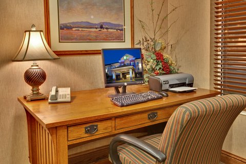 Holiday Inn Express & Suites BROOKINGS - Business Center
