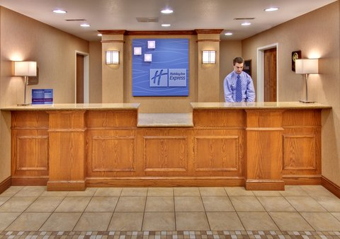 Holiday Inn Express & Suites BROOKINGS - Front Desk