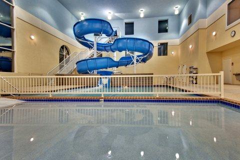 Holiday Inn Express & Suites BROOKINGS - Swimming Pool